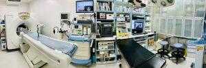 横浜 金沢区の動物病院 マーサ動物病院動物 CT・手術台